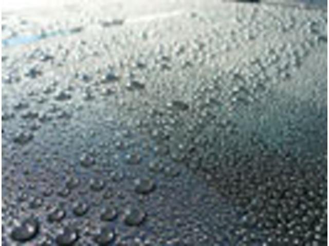 Bプラン画像:科学的に安定したガラス系被膜なので滑水性能が長期間持続します。
