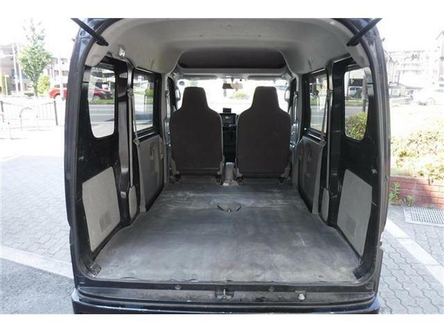 リアシートを収納するとかなりのスペースを確保できます。
