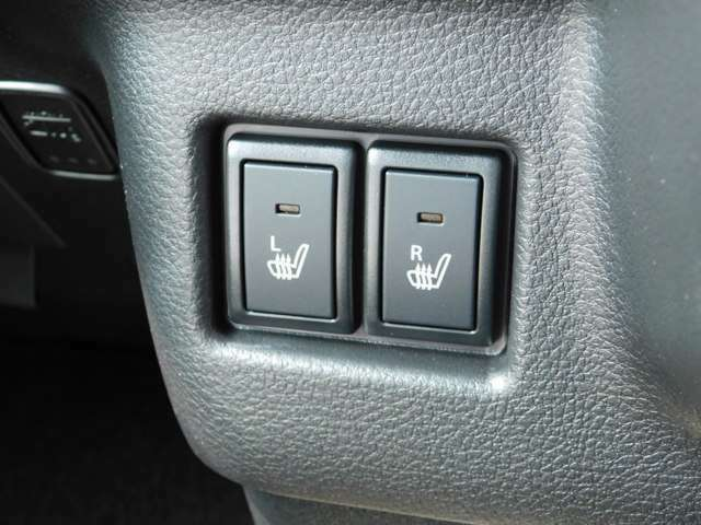 当店自慢のスタッフがお客様のカーライフをしっかりサポート致します。私達は全員が車に関するプロフェッショナルです!