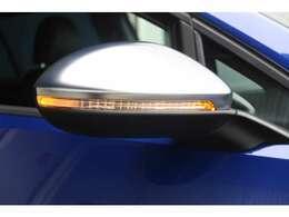 視野性の良いウィンカーミラーももちろん完備しております。安心のブラインドスポット機能付きです。