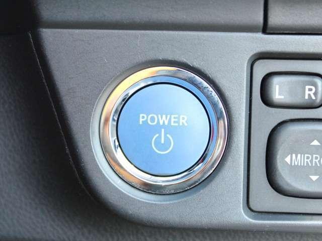 JAF、任意保険、ボディーコーティング、最近話題のドライブレコーダーなどお車の事なら何でもご相談下さい。一人一人に合ったカーライフをサポートさせて頂きます。