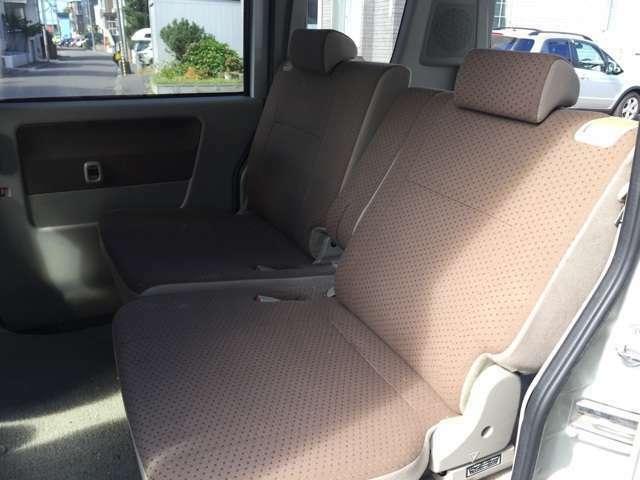 フロントシートの状態です!内装は消臭・除菌・クリーニング済みです!シートはヘタリや、コゲ・汚れ等の状態も確認済みです!外装はポリッシャー磨き・手がけワックスでピッカピカです!