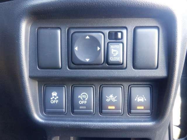 自動(被害軽減)ブレーキ、車線逸脱防止支援システム、横滑り防止装置などのセーフティ機能が充実してます。