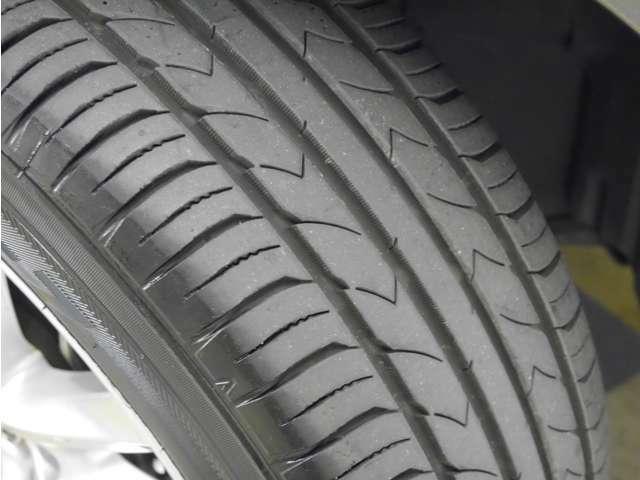 「タイヤ溝」 タイヤの溝は6分山です!新品タイヤ交換も承ります!ご相談ください!