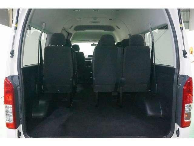 定員乗車数も多いのでご家族、親せきの皆様で楽しくドライブできます!!
