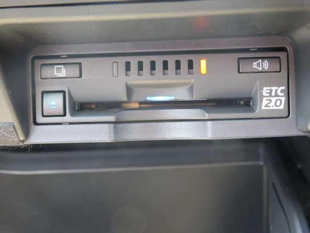 ETCはナビゲーション連動で使い勝手も良く、交通情報も入って来る2.0が装備されております!