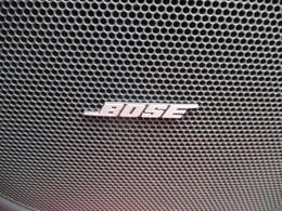 Boseサウンドシステム搭載。Bose社との共同開発によってそのクルマの室内空間に適した音響チューニングを施し、ウーファー&9スピーカーにより臨場感のあるリアルなサウンドを実現しています。
