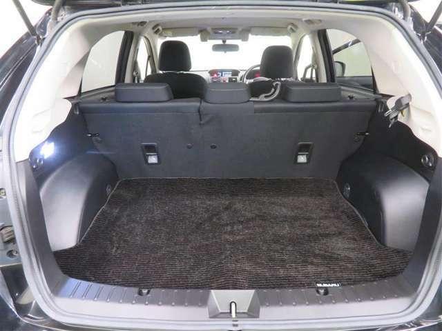 開口部の広いラゲッジスペース。大きなものや長さのあるお荷物もしっかり積み込めます!