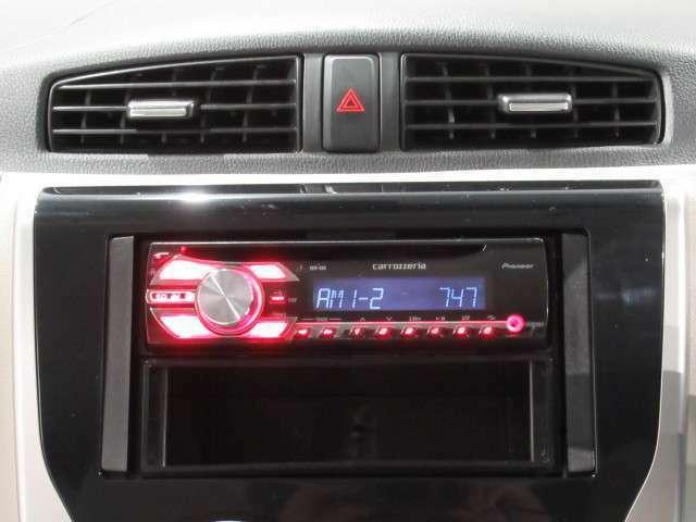 社外オーディオのCDラジオです。
