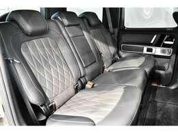 大人気G63特別仕様限定車の入庫でございます!「G63マヌファクトゥーアエディション」は300台限定車となっており、オーダー開始から即完売したモデルでございます!現在ではオーダー不可能!