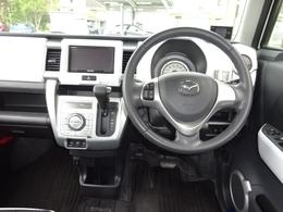 装備する安全装置は運転席&助手席のWエアバッグとABSを装備しています。万が一の時も安心出来ます。