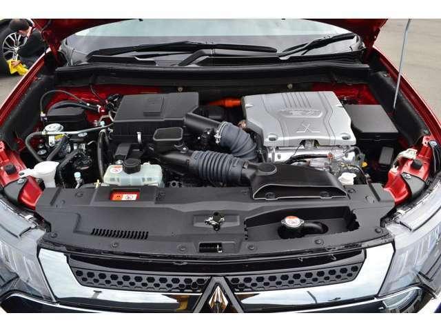 高出力モーター、大容量バッテリー、そして、効率と静粛性に優れた2.4Lエンジンを採用!