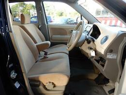可愛らしいベージュ色のシートとフロントパネルが人気で、内装キレイです!!お手頃でキレイなお車です♪