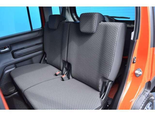 リアシートもゆったり座って頂けますよ!ハスラーは車内空間も広いので、快適にお過ごしいただけますよ!ぜひぜひお気軽にお問合せ下さいね!