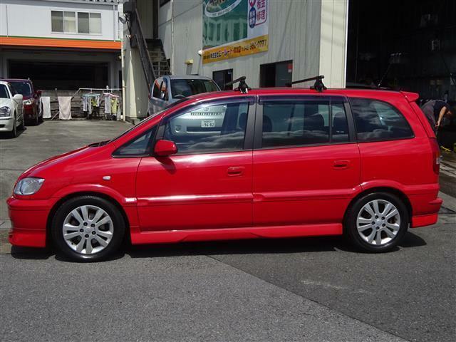 純正フルエアロ・リアスポ・アルミでスポーティな一台♪赤のボディは経年劣化で色褪せしやすいですが、こちらのお車は綺麗な状態です!
