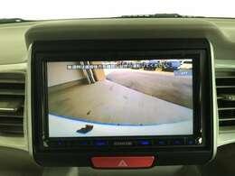 バックカメラもあるので駐車もラクラクですよ♪♪