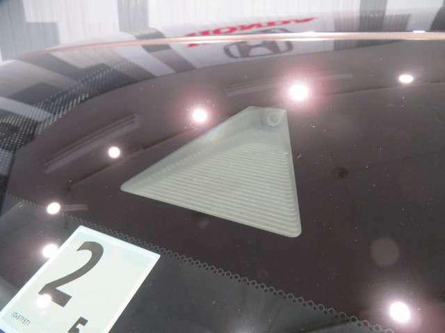 Honda SENSING衝突軽減ブレーキ(CMBS)ACC(アクティブ・クルーズ・コントロール)LKAS(車線維持支援システム)路外逸脱抑制機能、誤発進抑制機能、先行車発進お知らせ機能、標識認識機能