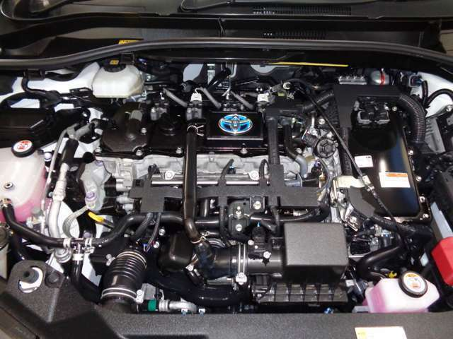 エンジンルームも徹底洗浄!!もちろん、しっかり整備してからご納車いたします