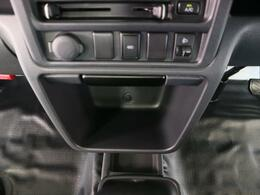 2WDから4WDへの切り替えが可能ですので、ぬかるんだ道でも安心です。