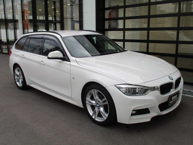 お車の詳細等はお気軽にBMW正規ディーラー Osaka BMW BPS姫里までお問い合わせくださいませ。スタッフ一同、お待ちしております。0066-9711-582225