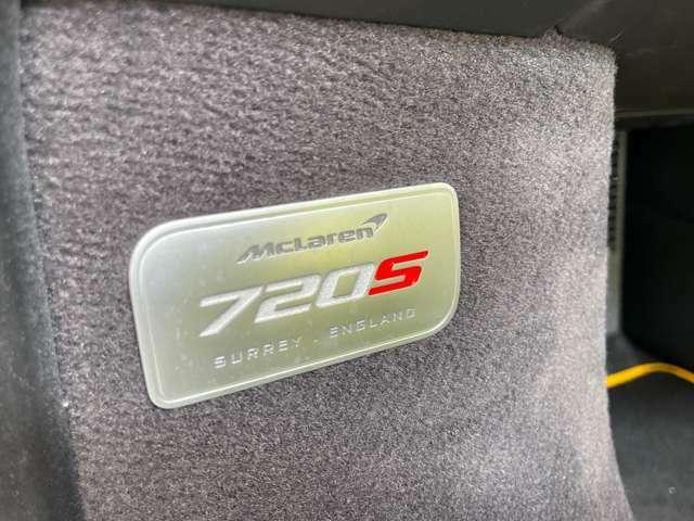 希少720S オプション多数です。