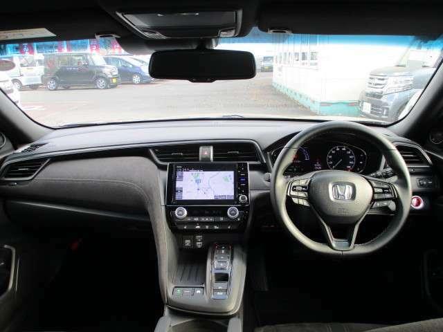 運転者目線のインパネ周辺です。見やすいレイアウトで快適なドライブをサポートします!