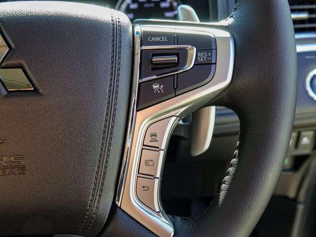 電波式レーダーで前方を走る車の車間距離をキープし追従するレーダークルーズコントロール装備、ドライバーの負担を軽減します