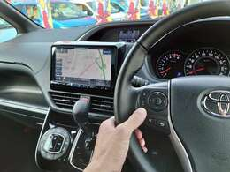 【操作もハンドルスイッチ対応で楽々】 ◆TVや音楽のチャンネル変更も可能 ◆DVD~Bluetoothに変更なども可能 ◆音量操作も可能 ※別途で11インチに変更可能です 詳しくはスタッフまで問い合わせ下さい
