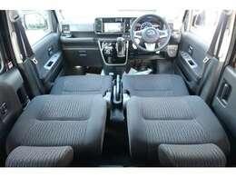 自慢の専用インテリア&ブラックファブリックシート♪新車の香りがいたします♪