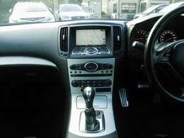 人気カラーのブラック!良音質のBOSEサウンドシステム・黒本革シート・シートヒーター・電動パワーシート(メモリー機能付き)・7速マニュアルモード付きオートマ・デュアルオートエアコン・ビルトインETC!