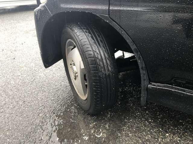 ホットドライブでは全国のお車のお取り寄せ、整備や自動車保険、板金も行っています。カーライフのトータルサポートとしてお客様に便利で快適なカーライフをサポート致します。