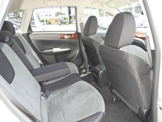 ◆リヤシートは足元も広々!ドアの開口面積も広いので乗り降り楽々!くつろぎの時間を過ごしていただけます!