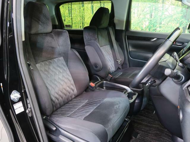 ☆高級感のある運転席☆視点が高く、運転もラクラク!視界も広くていい感じですよ♪