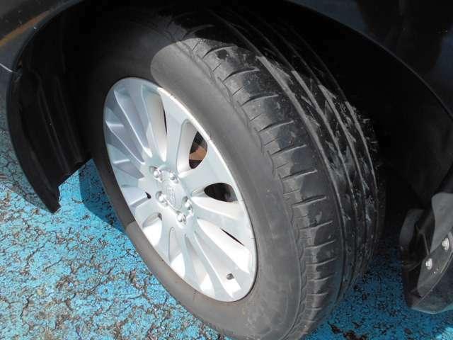 タイヤはブリヂストン製ネクストリー付き!!タイヤ山は4~5分山あり!!新品&スタッドレスタイヤも格安海外品から国産品まで各種取り扱えますので交換ご希望の方はお気軽にご相談下さい!!!