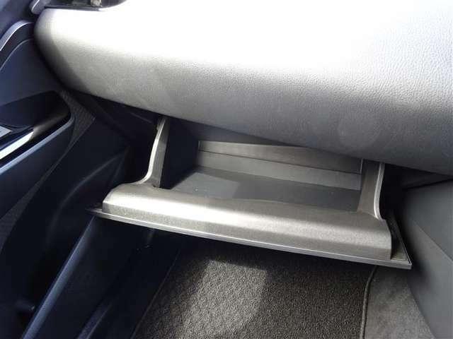 ★充実の小物入れ★ ついつい車内に貯めがちの物も、小物入れがあれば綺麗に収納OK(*^^*)