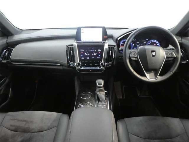 運転席、助手席の画像です