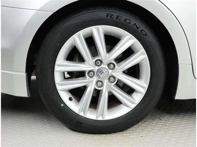 純正アルミホイール タイヤサイズ 215/55R17