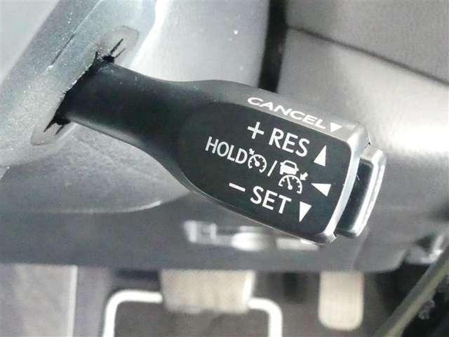 クルーズコントロール装備しています。車速を設定すれば、アクセルから足を放しても設定車速にて走行いたします。