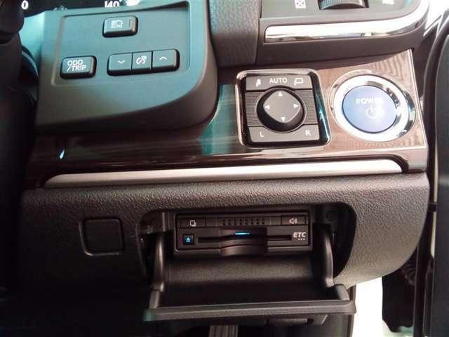 ☆トヨタ認定中古車の安心3 ロングラン保証付き☆年式問わず、走行距離無制限・1年間の保証付き。