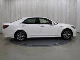当社の車は「トヨタ自動車の認定検査員」が内外装隅々まで状態をチェックした「車両検査証明書」付きです。