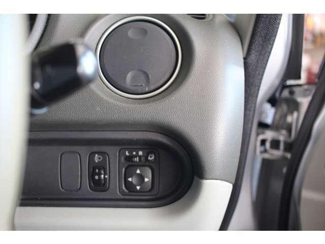 レベライザー付きヘッドライト!電動格納式ドアミラーもついております♪