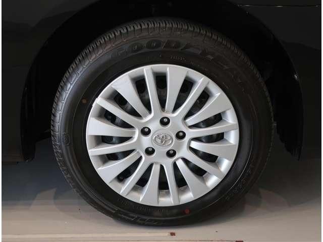 タイヤサイズは185/65R15☆