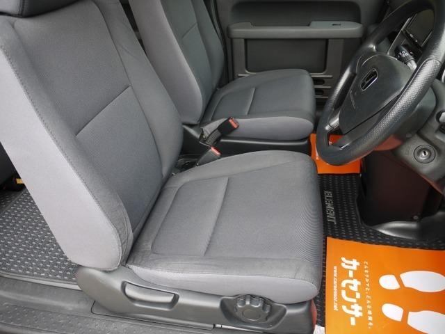 内装の状態も良く飽きの来ないデザインで乗りやすいお車です。