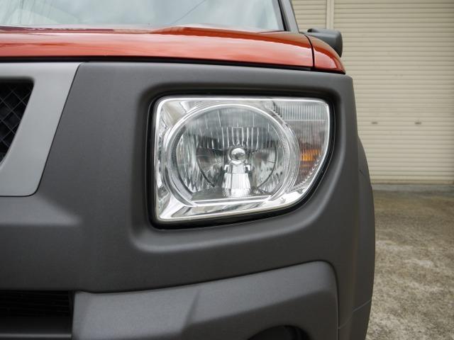 ヘッドライトのくすみや黄ばみもなく綺麗な状態を保っております。