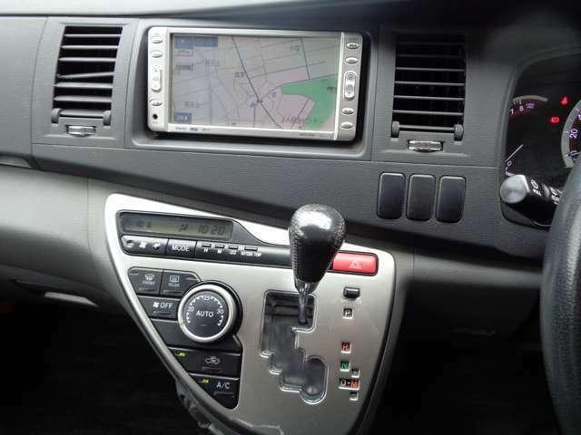 ★ナビゲーション装着車!・・・簡単操作♪地図データのバージョンアップも可能です^^