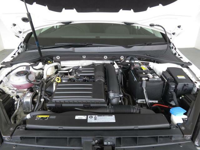 1,400CC直噴ターボエンジンはパワフルで低燃費です。