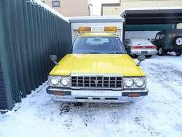 新車時は、消防署にて使用、その後、同じ公共団体の道路作業車へ登録変更で最近まで使用・ダッシュ割れ無し