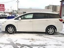 トヨタ ウイッシュ 1.8X 4WD!寒冷地仕様!3列シート!エンジンスターター!CDラジオチューナーオーディオ!バックカメラ!ワイパーデアイサー!キーレス!オートエアコン!