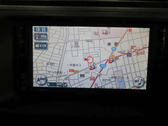 純正HDDナビが付いています。ご家族でのドライブにお仕事に活躍してくれるので、今や快適なカーライフには必須の装備ですね!