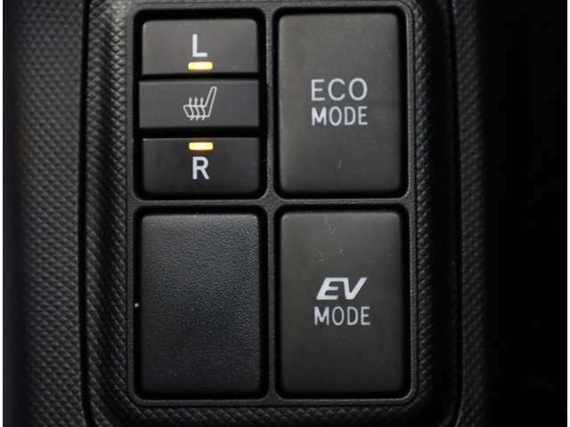 シートメモリースイッチです。 シートの位置が記録できるので、一つの車を家族や友人の複数の方と共有するときに便利ですよね。